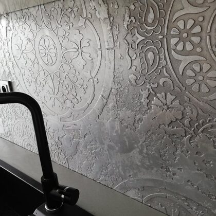 Elegantní dekorativní stěrka v kuchyni