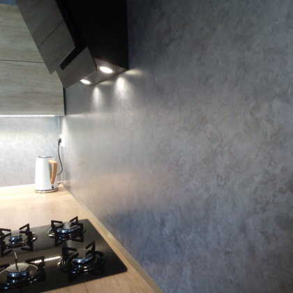 Dekorativní stěrka v kuchyni