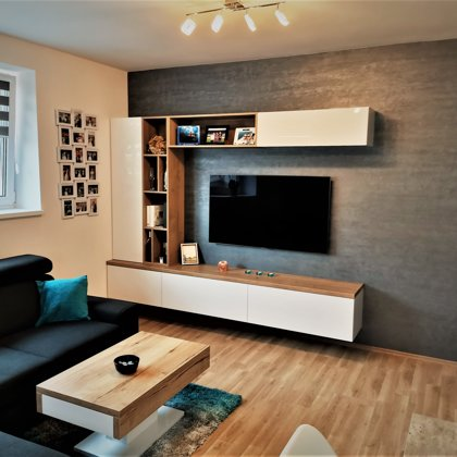 Dekorativní stěrka v obývacím pokoji